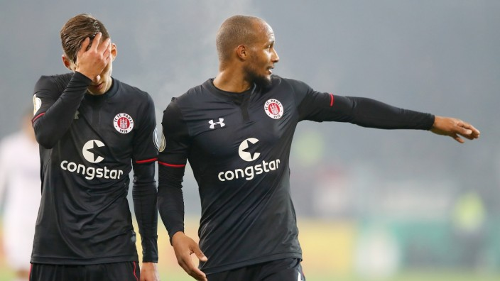 FC St. Pauli v Hertha BSC - DFB Cup