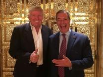 Zwei Populisten, ein neues Wort: Brexit-AnführerNigel Farage (rechts) und der designierte US-Präsident Donald Trump.