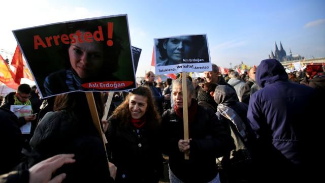 Demonstration von Aleviten gegen den türkischen Präsidenten Erd