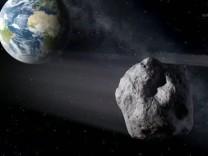 Asteroid fliegt an Erde vorbei