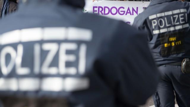 Kurden demonstrieren gegen Festnahmen in der Türkei