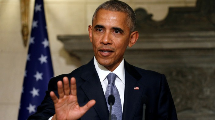 Obama visits Athens