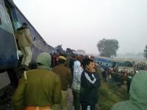 Over 40 killed in train accident in Uttar Pradesh, India