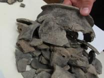 GERMERING: Praesentation archaeologische Ausgrabungen / ALTE KIRCHSTRASSE