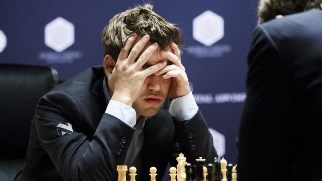 World Chess Championships Round 8