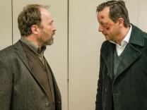 Polizeiruf 110: Sumpfgebiete, Ulrich Noethen und Matthias Brandt
