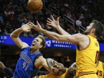 Dirk Nowitzki, J.R. Smith, Kevin Love