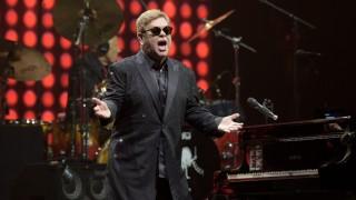 München Elton John Erweckt Die Olympiahalle Zum Leben München