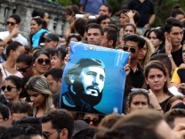 Reactions in Havana after Castro's death