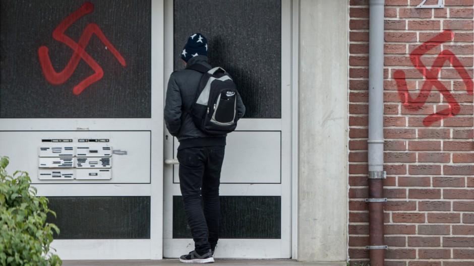 Asylbewerberunterkünfte in Waltrop beschmiert