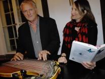 Berg: Schloss Lesung von Bella Schupp und Musik von Josef Brustmann