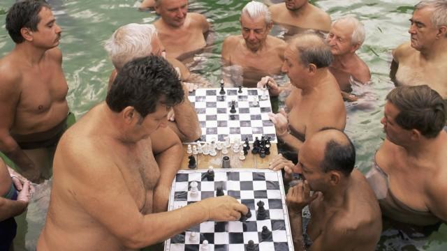 Chess players Szechenyi Baths Budapest Hungary Europe PUBLICATIONxINxGERxSUIxAUTxONLY Copyright