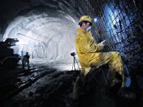Sicherungsarbeiten im Zufahrtstunnel des Brenner-Basistunnels.