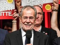 Van der Bellen wins re-run of Austria presidential elections run-