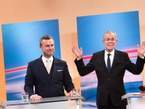 Wien 04 12 2016 Hofburg Wien AUT TV Einsteig anl sslich der Wiederholung der Stichwahl der Prae