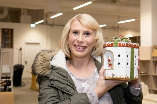 Weihnachtsversteigerung besonderer Gegenstände in der Halle 2. Die Erlöse spendet der AWM für gute Zwecke, sie sollen deshalb dem SZ Adventskalender zugute kommen.