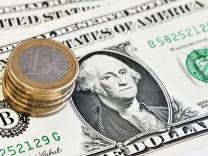 Euro fällt unter die Marke von 1,33 US-Dollar