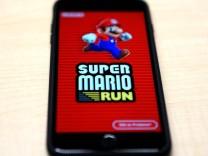 Super Mario run auf Apple iPhone Seit 15 12 2016 hüpft Super Mario wieder über die Bildschirme Mil