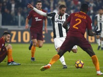 Football Soccer - Juventus v AS Roma - Italian Serie A