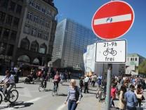 Fahrradverbot am Münchner Marienplatz, 2016