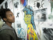 Grafrath: Ausstellung 'Gegen die Wand' mit Werken von jungen Flüchtlingen