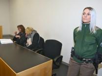 Prozess um Schmerzensgeld für Polizistin