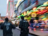 Sicherheitsmaßnahmen auf Weihnachtsmarkt in Schwerin