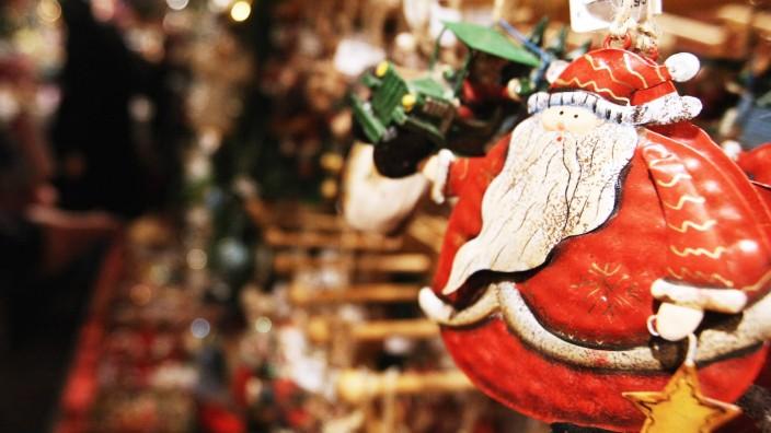 Christmas Atmosphere Abundant In Berlin