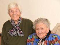 Zwei Schwestern finden sich nach 40 Jahren im Altersheim wieder