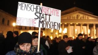 """Kundgebung """"Platz da! Flüchtlinge sind hier willkommen"""" in München, 2014"""