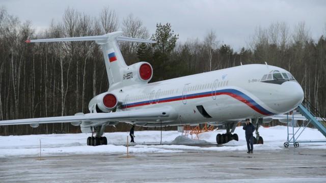 Eine TupolewTu-154 auf dem Luftwaffenstützpunkt Chkalovsky, nördlich vonMoskau. Ein Flugzeug dieses Typs ist über dem Schwarzen Meer abgestürzt.