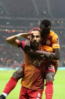 Fußball In Der Türkei Süperlig Profis Warten Auf Ihr Geld Sport