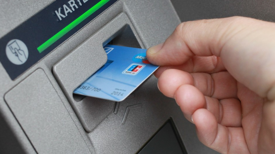 Banks To Introduce New EC Cards