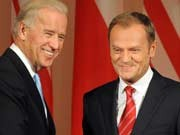 Biden, Tusk, AFP