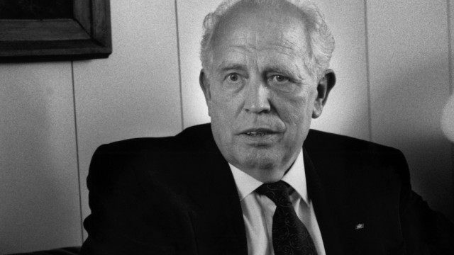Dr. Hans Tietmeyer