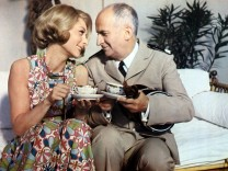 Le Gendarme se marie de JeanGirault avec avec Louis De Funes et Claude Gensac 1967 AD00055639 PUBLIC