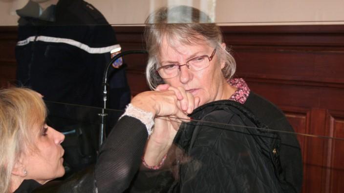 Reports: Jacqueline Sauvage pardoned by Francois Hollande