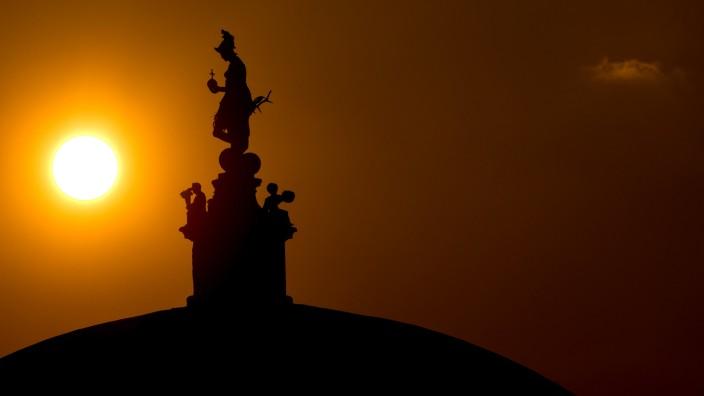 Sonnenuntergang im Hofgarten