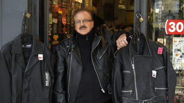 """Räumungsverkauf bei Heavy-Metal-Boutique """"Candies"""" in München, 2016"""