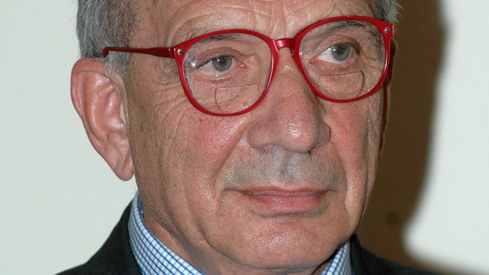 Apparent creator of Kinder Surprise dies at 83