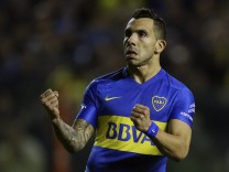 Carlos Tevez moves to China