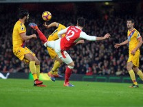 Football 2016 2017 Premier League Arsenal vs Crystal Palace Olivier Giroud of Arsenal scores