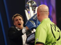 2017 William Hill PDC World Darts Championships - Day Fifteen