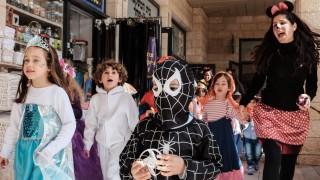 Bilder des Tages March 22 2016 Jerusalem Israel Children in costumes on Purim one of Judaism