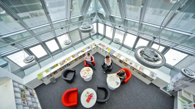 Stadtteilbibliothek in München Hadern, 2011