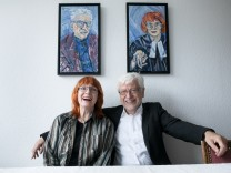 Elisabeth Schneider-Böklen und Herbert Schneider. Ehepaar, das für seine ehrenamtlichen Dienste in der ökumenischen Arbeit ausgezeichnet worden ist.  Strassberger Straße 30, Olympiadorf