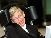 Stephen Hawking, 2001