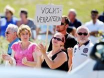 Bundeskanzlerin besucht Flüchtlingsunterkunft Heidenau