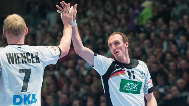 vl Patrick Wiencek 7 GER Holger Glandorf 11 GER und Patrick Groetzki 24 GER Handball Laender