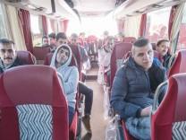 Asylbewerber-Bus aus Landshut nach Berlin unterwegs